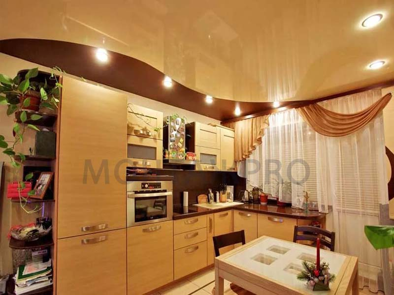 Натяжные потолки в кухню