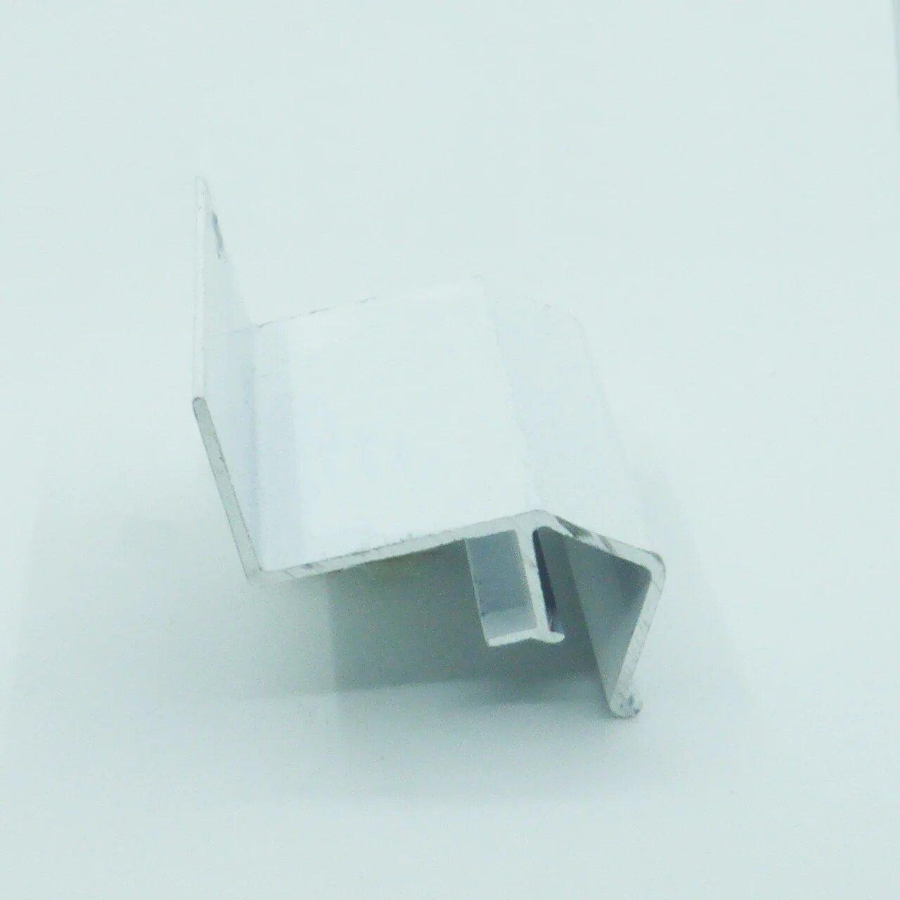 Профиль парящий белый крашеный 1 м